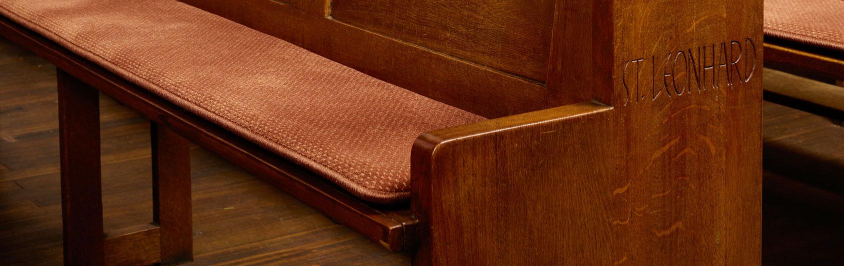 banc d'église coussin Samtplush code couleur 2127 couleur brun rougeâtre Riegelsberg