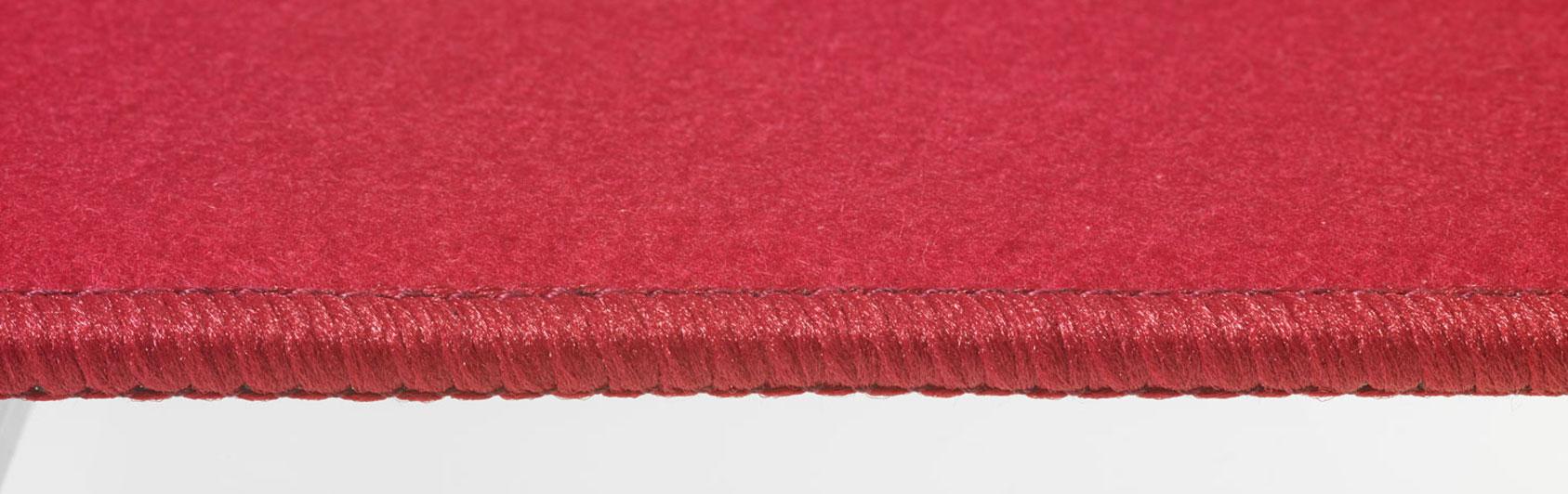 coussin qualité feutre couleur rouge claire