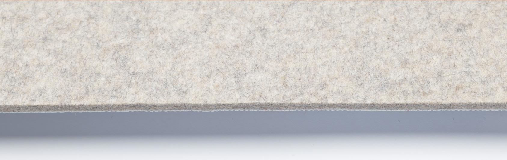 coussin qualité feutre couleur grise claire